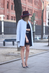 Blue Coat and Burgundy Hat02