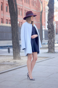 Blue Coat and Burgundy Hat03