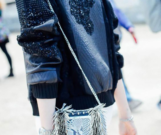 Bomber jacket street style outfit fashion7