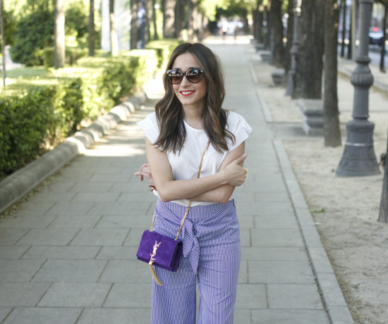 striped pants with bow white shirt carolina herrera sandasl saint laurent bag accessories summer outfit11
