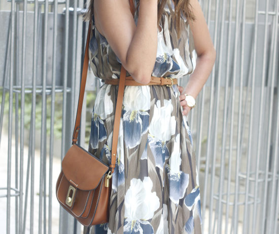 Maxi Dress With Floral Pattern heels summer outfit style01
