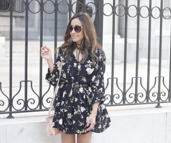 boho black dress with floral print hat coach bag wedges summer outfit10