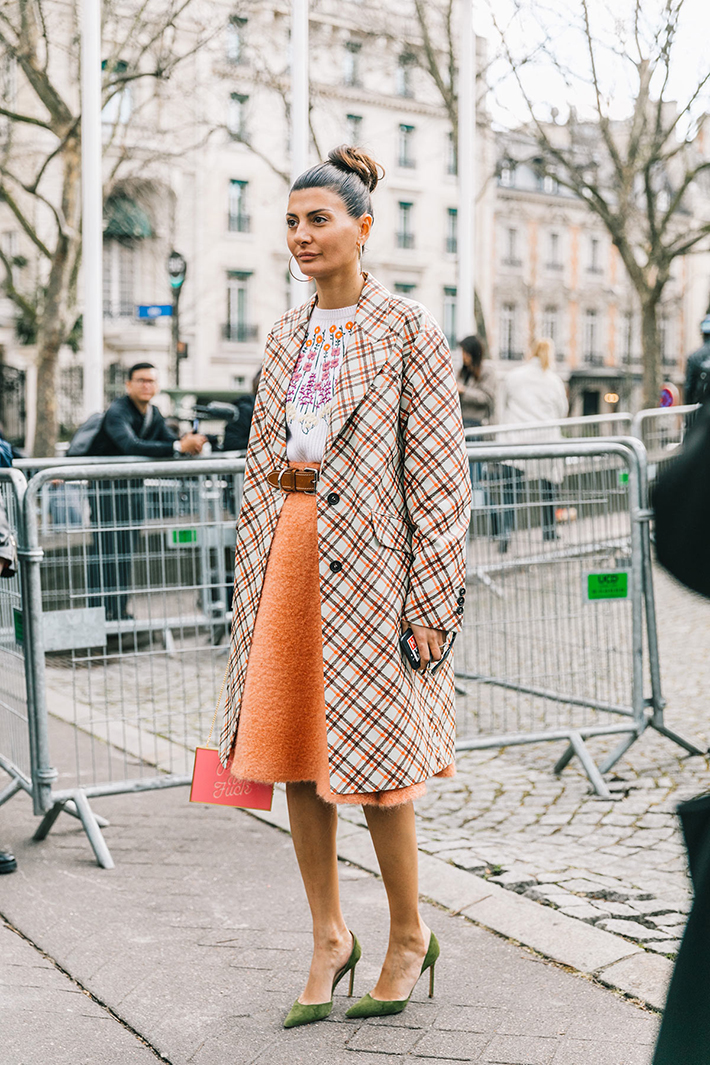 Best Street Style Of Paris Fashion Week Besugarandspice Fashion Blog