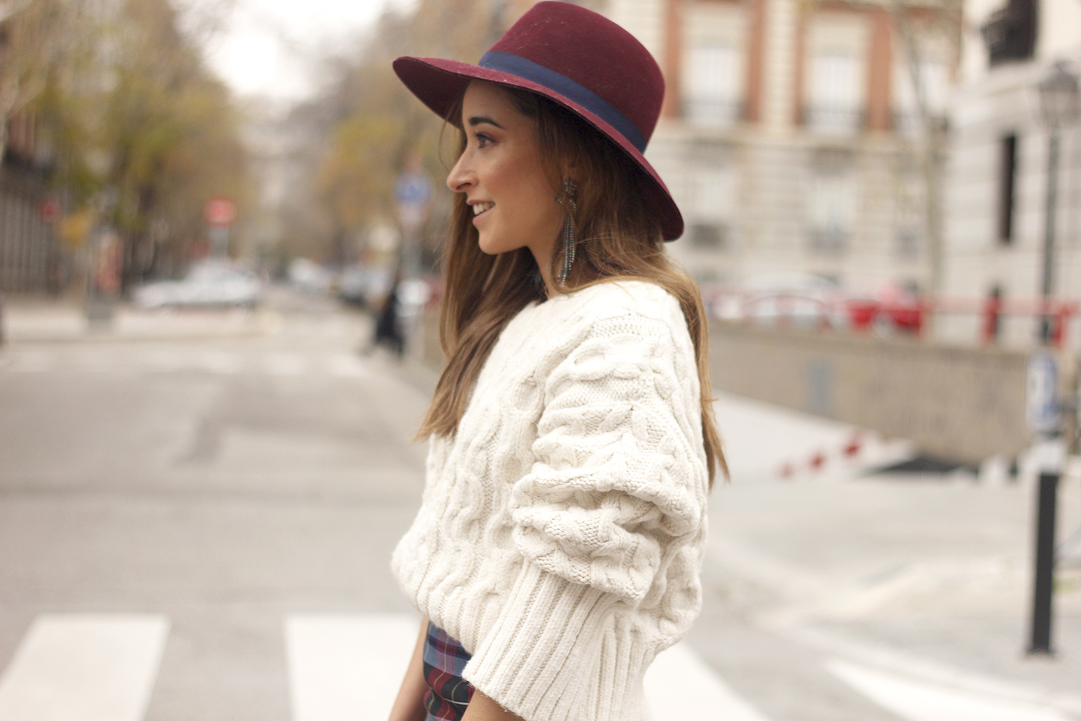 e68ee12cd1 plaid pants zara white sweater burgundy hat street style outfit 20189408